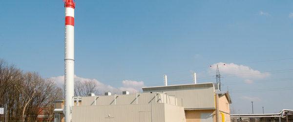 A Tiszaújvárosi fűtőerőmű építése során két gázmotort és három forróvíz-kazánt építettek be.