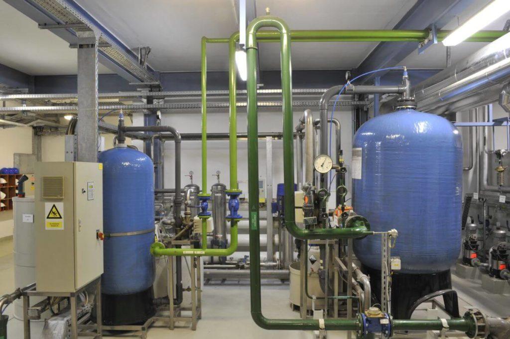 A kazincbarcikai gázmotorok fedezik a nyári hőigényeket, a fűtési időszakban pedig a kazánok is működésbe lépnek.