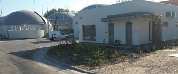 A nagykőrösi biogáz üzem évente sok tonna mezőgazdasági- és élelmiszeripari hulladékot hasznosít.