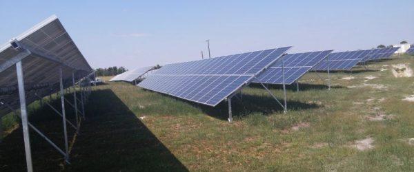 A közel 2 megawattos domaszéki naperőmű-egység évente 2400-2600 megawattóra áramot termel.